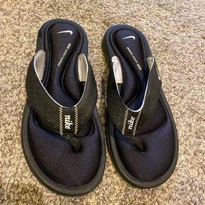 Nike flip flops / size 7